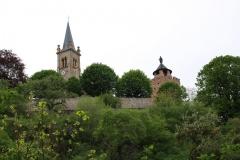 Eglise et donjon vue du bas