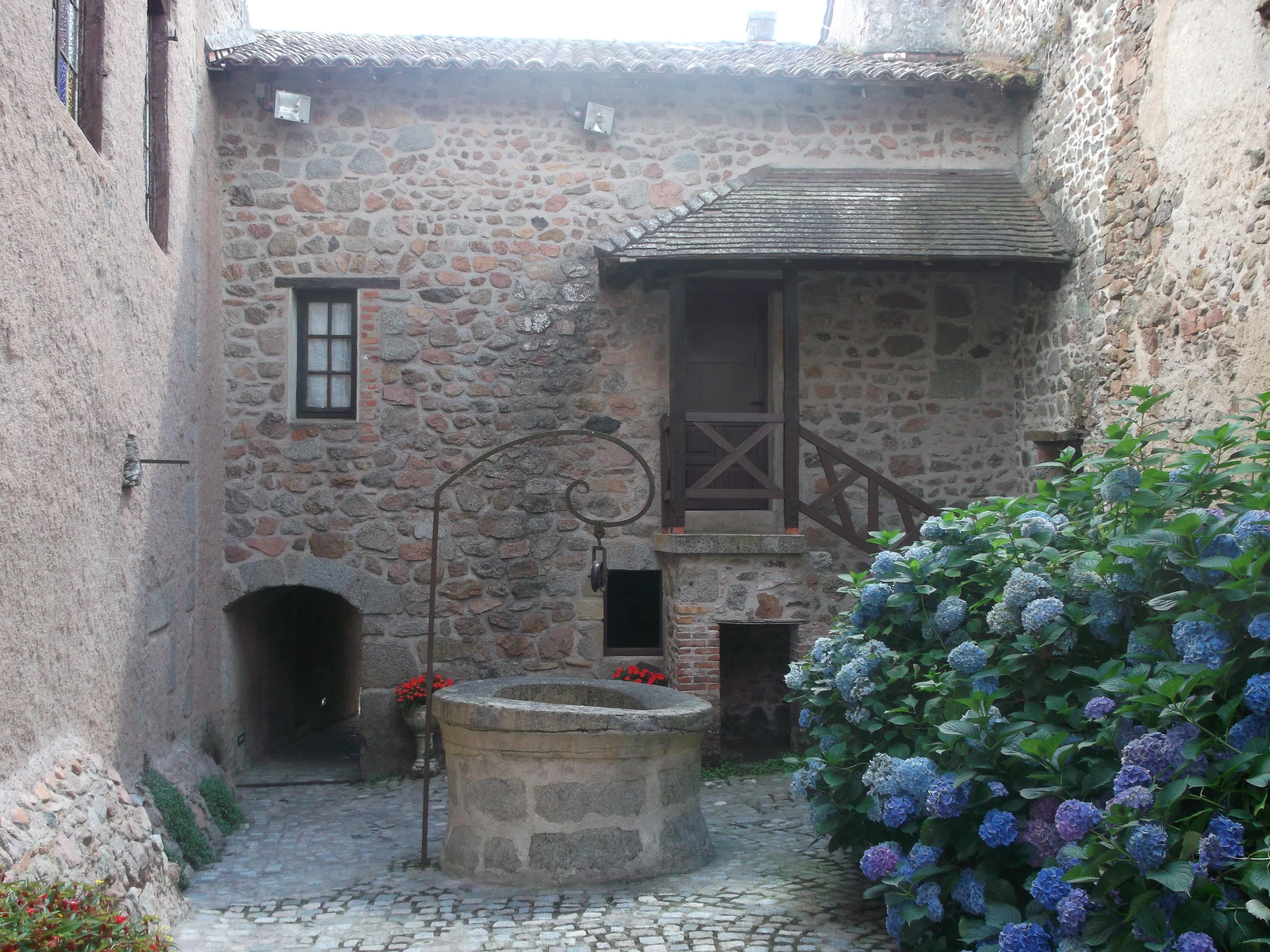 le-crozet-village-de-caractere-013